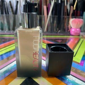 HUDA BEAUTY Makeup - Huda Beauty Faux Filter Foundation in Milkshake